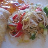 Vårruller med asiatisk nudelsalat
