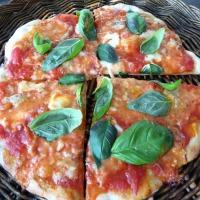 Pizza på surdeigsbunn