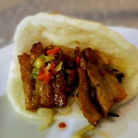 Ribbe i steamed buns