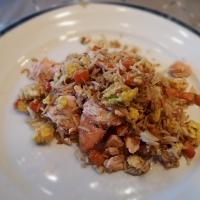 Stekt ris med laks (Fried rice)